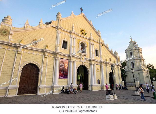 St. Paul Metropolitan Cathedral (Vigan Cathedral) at dusk, Vigan City, Ilocos Sur, Ilocos Region, Philippines