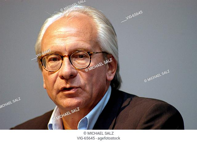 Wolf BAUER, chairman of the management of the UFA Movie and - TV Production. - KOELN, GERMANY, 21/06/2004