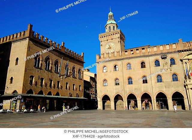 Italy, Emilia-Romagna, Bologna, View of Piazza Maggiore, Palazzo Comunale