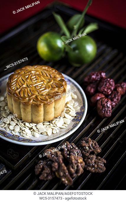 gourmet traditional chinese festive mooncake pastry dessert