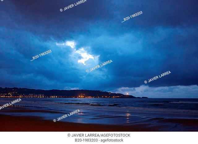 Storm. Beach of Hendaye, Pyrenees Atlantiques, Aquitaine, France