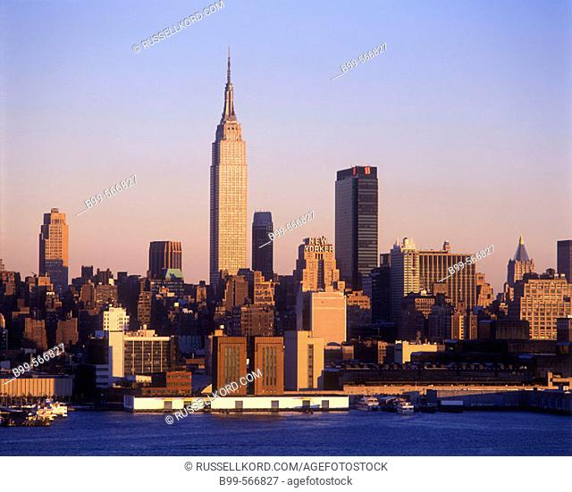 Empire State Building, Mid-town Skyline, Manhattan, New York, Usa