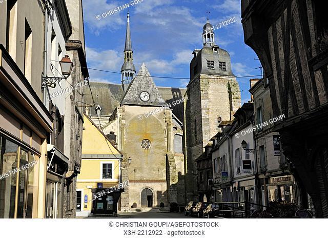church of Saint-Sulpice in the center of Nogent-le-Roi village, Eure-et-Loire department, Centre region, France, Europe