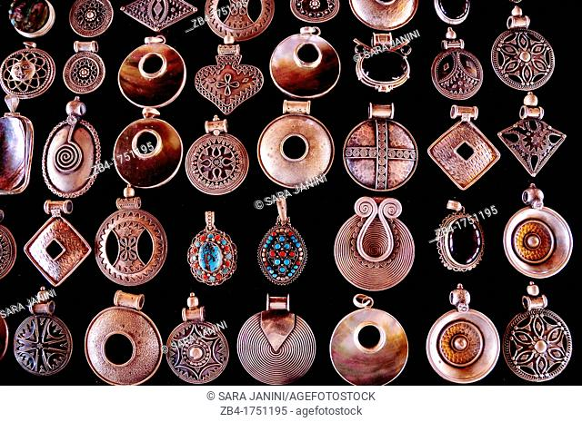 Silver souvenirs in the ancient city of Petra, Archaeological site, UNESCO World Heritage Site, Petra, Jordan, Middle East