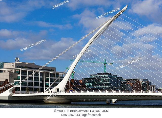 Ireland, Dublin, Docklands, Samuel Beckett Bridge, Santiago Calatrava, architect
