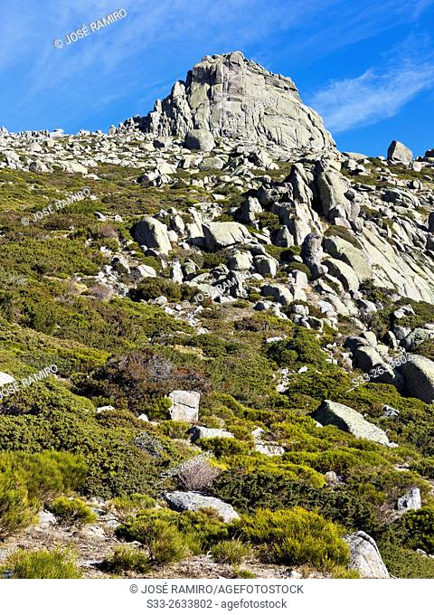 Round cliff in the Sierra de la Paramera. Navandrinal. Avila. Castilla Leon. Spain. Europe