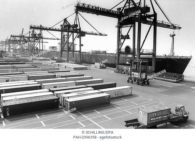 Bremerhaven has the largest container terminal of Europe since the 19th of August in 1983. - Bremerhaven/Schleswig-Holstein/Germany