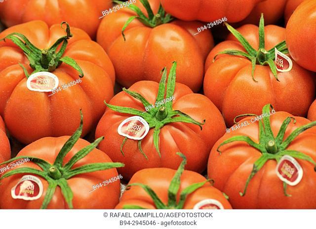 Tomatoes for sale, Sant Josep aka La Boqueria market, Barcelona, Catalonia, Spain