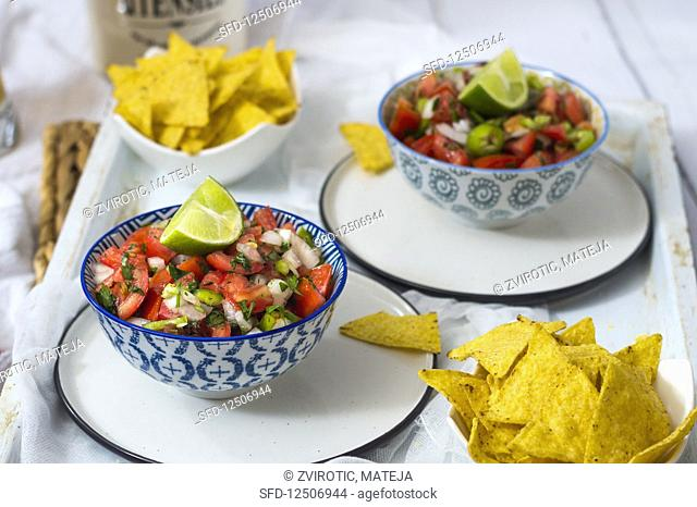 Spicy tomato salsa with tortilla chips