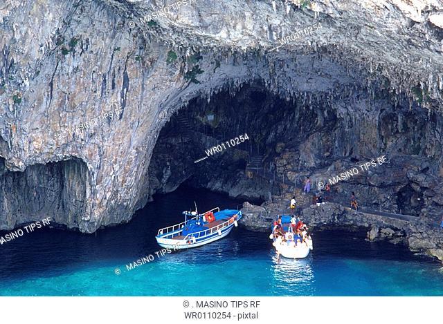Italy, Apulia, Salento, Santa Cesarea Terme, Zinzulusa cave