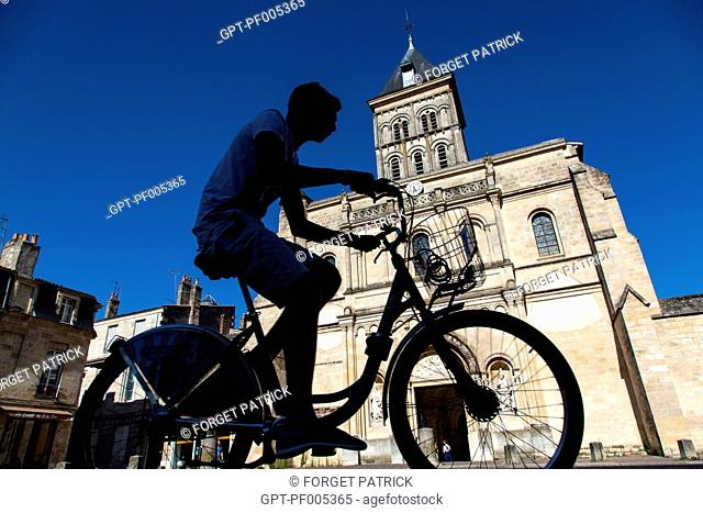 VCUB SELF-SERVE BICYCLE IN FRONT OF THE SAINT-SEURIN BASILICA, CITY OF BORDEAUX, GIRONDE (33), FRANCE