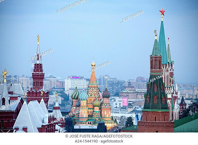 Rusia , Moscow City, The Kremlin, St. Basil's Cathedral and History Museum Skyline