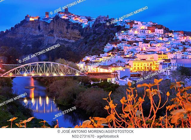Arcos de la Frontera, Dusk, Pueblos Blancos ('white towns') Route Cadiz province, Andalusia, Spain