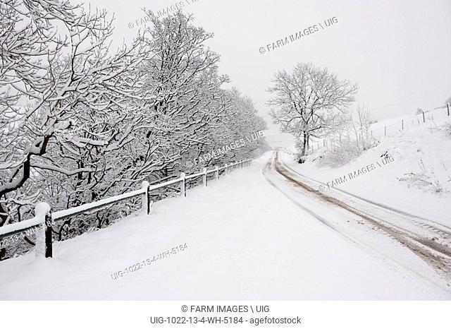 A snow covered A683 betwen Sedbergh and Kierkby Stephen, Cumbria. (Photo by: Wayne Hutchinson/Farm Images/UIG)