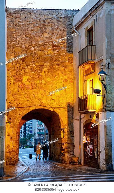 Plaça del Pallol, Interior of the walled city, Tarragona City, Catalonia, Spain, Europe