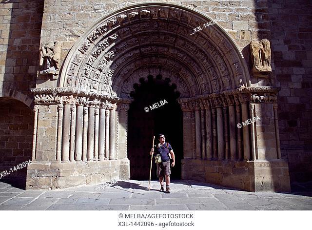 Portico Santiago church  Puente la Reina  Gares  Navarra  Spain