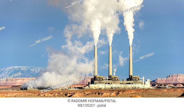 Navajo Coal Generating Station near Page, Arizona, USA
