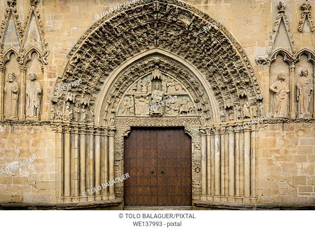 Main front, church of Santa María la Real (13th century), Olite, Navarre, Spain