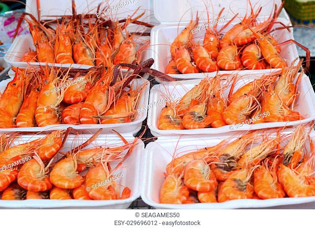 Barbecue shrimp in the market