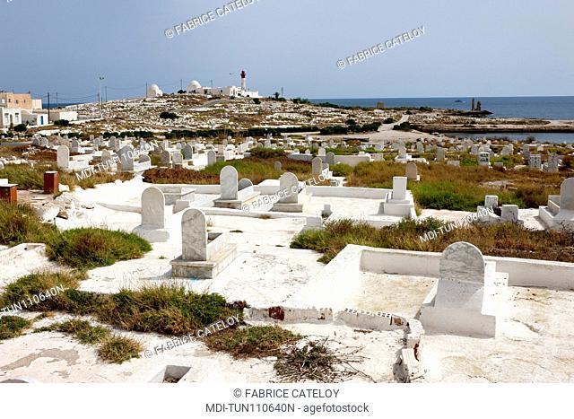 Tunisia - Madhia - The seaside cemetery