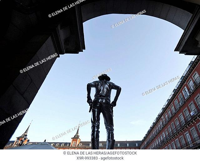 Mime at Plaza Mayor. Madrid. Spain