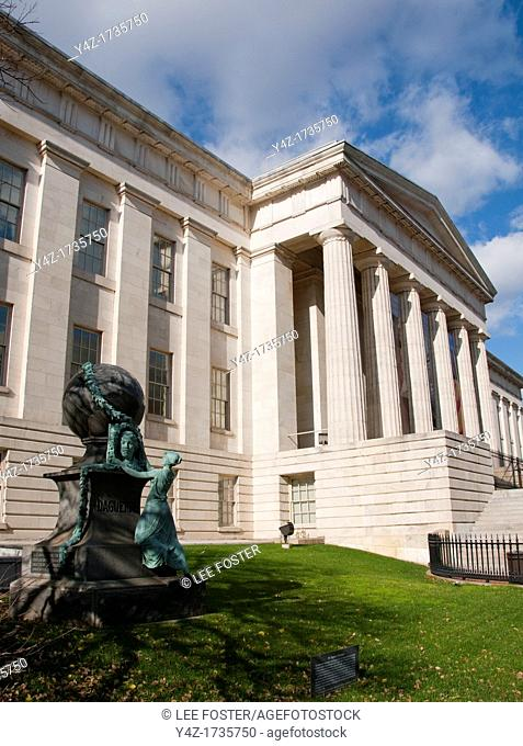 Washington, DC: National Portrait Gallery, statue to Daguerre, the photography pioneer