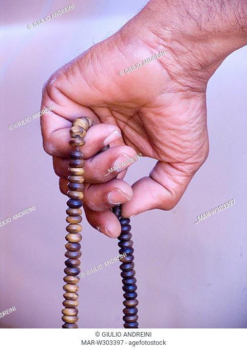 africa, libya, akakus, desert, man with his rosary