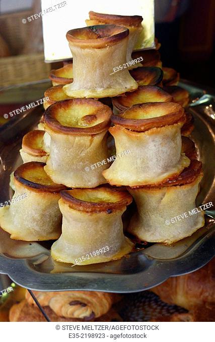 The famous Pates de Pezenas, pasteries