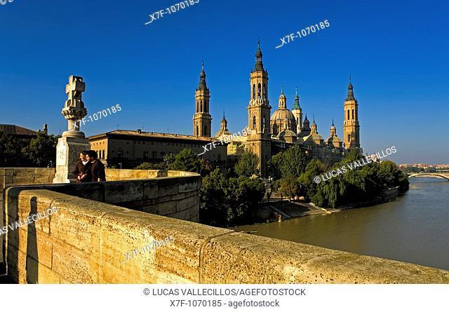 Zaragoza, Aragón, Spain: El Pilar, as seen from bridge 'de Piedra'