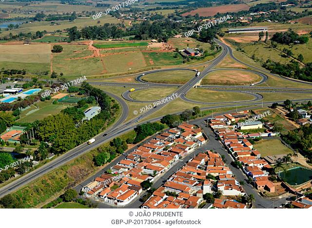 Aerial view of the SP-352 Highway making a junction with the SP-147 on the outskirts of the city, Itapira, São Paulo, Brazil, 07.2016