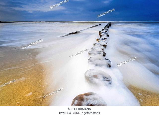 spur dike in the stormic Baltic Sea, Germany, Mecklenburg-Western Pomerania, Darss, Prerow