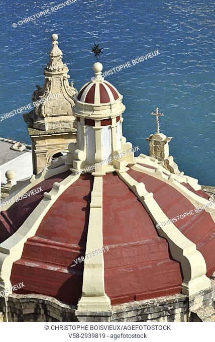 Malta, World Heritage Site, Valletta, Baroque cupola and Grand Harbour