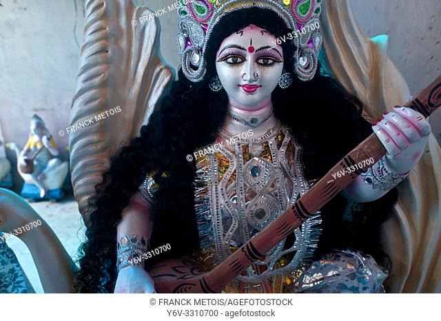 Saraswati idol on sale before the Saraswati festival ( Chhattisgarh, India)