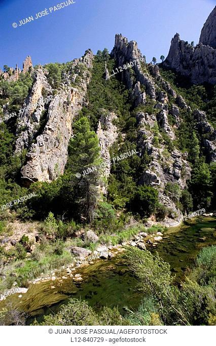 Parque Natural Hoces del Cabriel Los Cuchillos Única zona visitable del parque Minglanilla Provincia de Cuenca Castilla la Mancha España