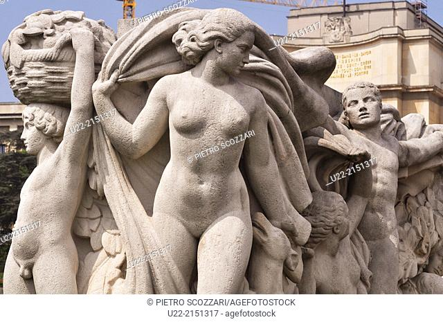 Paris, France, statues by the Palais de Chaillot, Trocadero