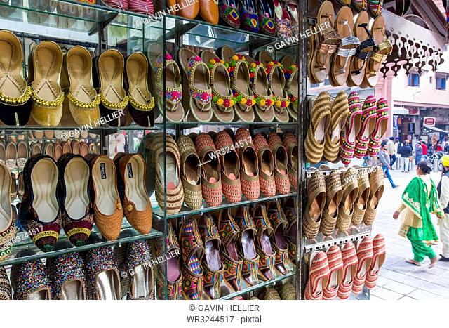 Traditional Indian slippers for sale, Amritsar, Punjab, India, Asia