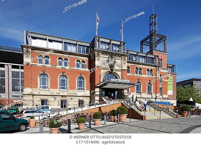 Germany, Kiel, Kiel Fjord, Baltic Sea, Schleswig-Holstein, main station, station building, brick building, people