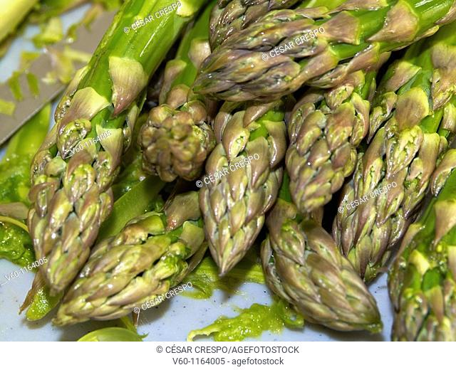 -Tender Fresh Green Asparagus- Healthy Food