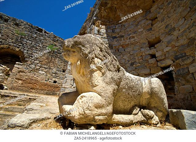 Statue of Lion in the Frigidarium or cold section of the Faustina Baths, the wife of Marco Aurelius, 161-180 BC. Miletos. Anatolia, Turkey