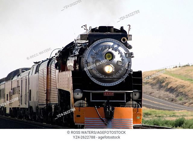 The Southern Pacific Daylight Express heritage run