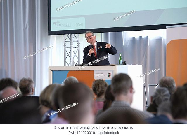 Prof. Andreas KRUSE, psychologist, gerontologist and demographer as well as responsible author of the national reports of the Bundestag, Ruhr-conference