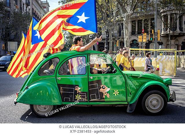Political demonstration for the independence of Catalonia. Passeig de Gracia.October 19, 2014. Barcelona. Catalonia. Spain