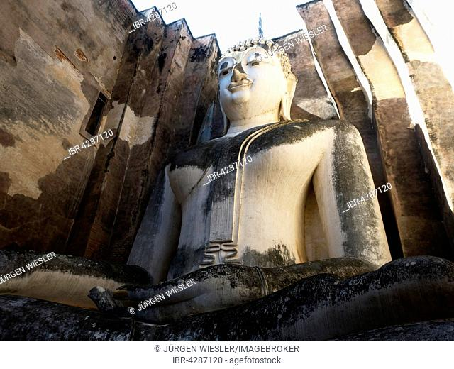 Seated Buddha, Wat Sri Chum, Sukhothai Historical Park, UNESCO World Heritage Site, Mueang Kao, Sukhothai, Thailand