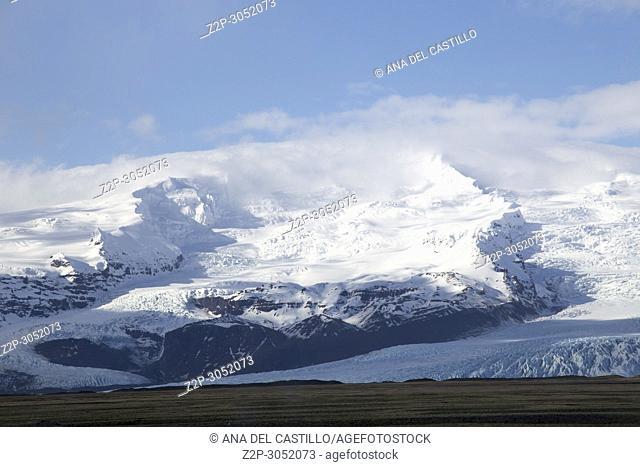 Landscape Vatnajokull park Skaftafellsjokull glacier in winter, Iceland