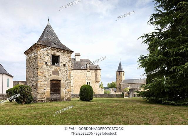 Église Saint Jean-Baptiste in the village of Aren - Pyrénées-Atlantiques, Aquitaine, France. The village lies along the Voie du Piémont route of the Camino de...