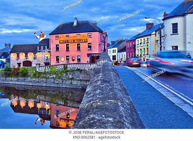 Kilkenny town, John's Bridge, River Nore, County Kilkenny, River Nore, province of Leinster, Ireland, Europe