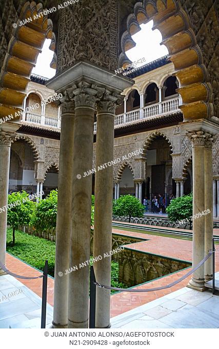 Las Doncellas Courtyard. Reales Alcazares. Seville, Andalucia, Spain, Europe
