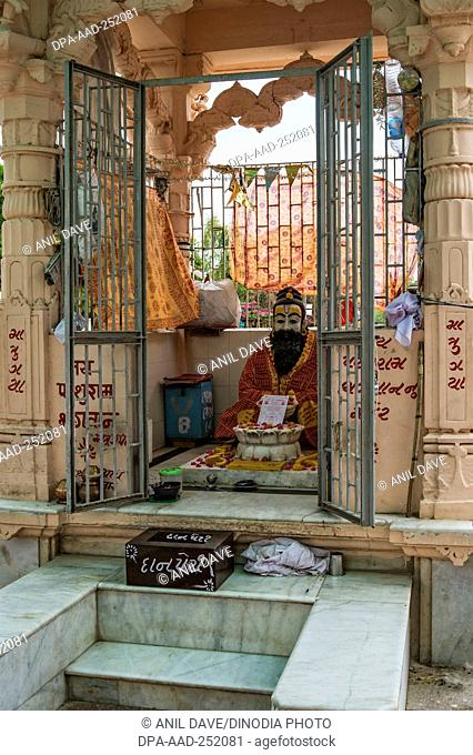Parshuram statue matrugaya, bindu sarovar, sidhpur, patan, gujarat, india, asia