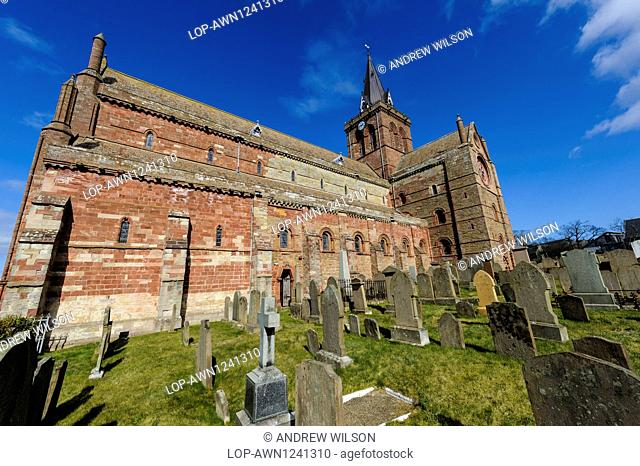 Scotland, Orkney Islands, Kirkwall. St Magnus Cathedral in Kirkwall