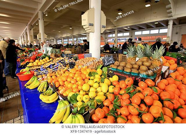 Inside market of Forville in Cannes, Alpes-Maritimes, Cote d'Azur, Provence-Alpes-Côte d'Azur, France
